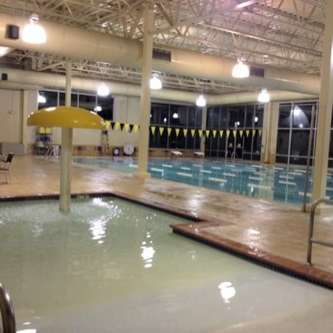 Gold's Gym Lap Pool